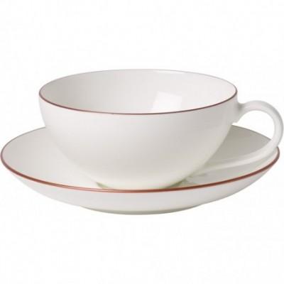 Puodelis arbatai su lėkštute